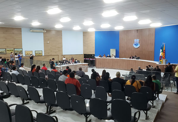 Brumado: Votação no Legislativo de projetos polêmicos oriundos do Executivo gera grande repercussão no município
