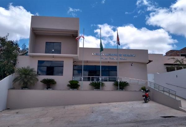 Após manifestação em frente ao Fórum de Brumado, concursados de Aracatu estarão na Câmara de Vereadores de Aracatu