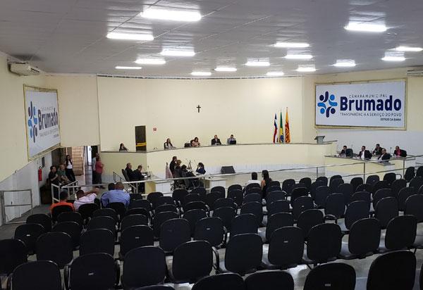 Sessões do Poder Legislativo de Brumado voltam para o seu horário normal; segundas às 18h30m