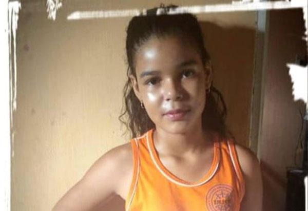 Brumado: campanha busca arrecadar fundos para compra de remédio para garota Naiara; medicamento custa R$ 8 mil