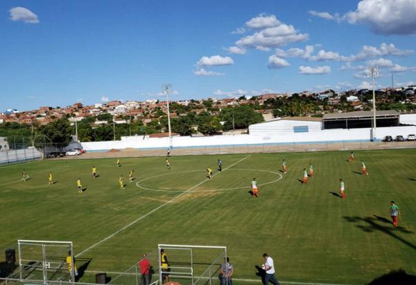 Umburanas vence o Feirense na estreia do Campeonato Brumadense de Futebol