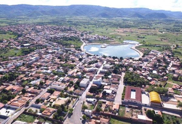 Ex-prefeito e secretários municipais de Candiba são denunciados por fraudar licitação