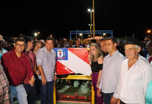 Guanambi: Ivana Bastos comemora com população a entrega de obras em Morrinhos
