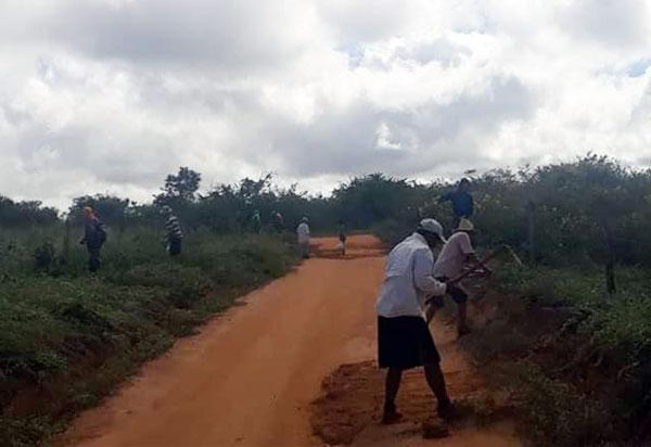 Moradores promovem mutirão para recuperar estradas vicinais em Rio do Antônio