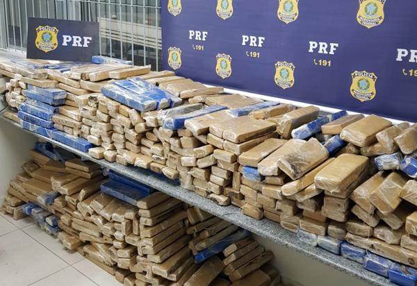 Carga de quase uma tonelada de maconha que seria entregue em Guanambi é apreendida pela PRF em Minas Gerais