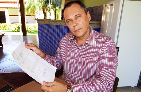 BRUMADO: CARLINHOS MOURA SE DESFILIA DO PT
