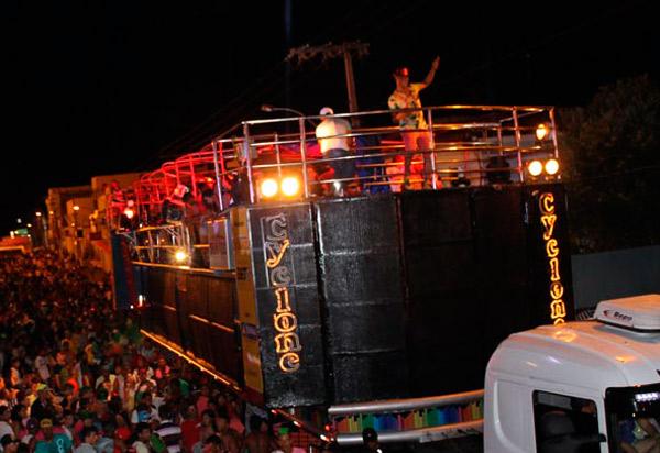 Brumadense usa rede social para pedir retorno do Carnaval em Brumado