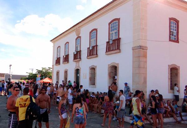 Decreto estabelece normas e regulamentos para a realização do Carnaval 2019 em Rio de Contas; bem como disciplina o Comércio Temporário na área de influência dos festejos