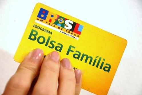 Aracatu: Secretaria de Assistência Social convoca para recadastramento do Bolsa Família