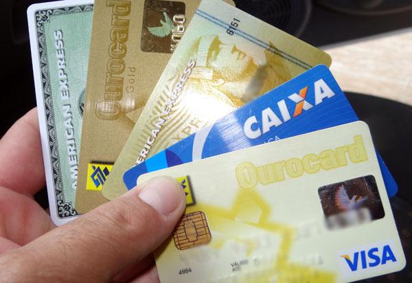 25% dos usuários de cartão de crédito entraram no rotativo ao final de 2018