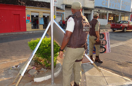 BRUMADO: POLÍCIA MILITAR APREENDE CAVALETES