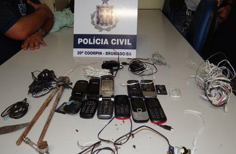 BRUMADO: POLÍCIA ENCONTRA CELULARES NA CARCERAGEM
