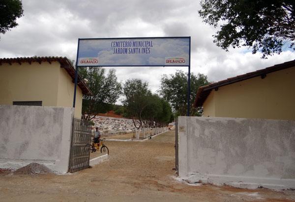 Brumado: Prefeitura estabelece horário de funcionamento dos cemitérios