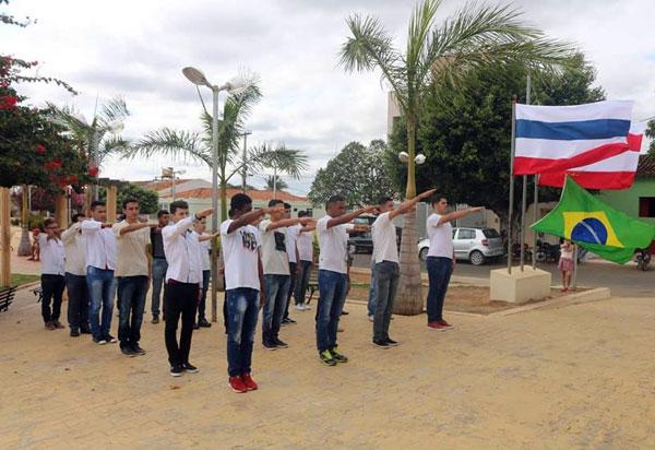 Rio do Antônio: foi realizada Cerimônia de entrega de Certificado de Dispensa de Incorporação e Juramento à Bandeira Nacional