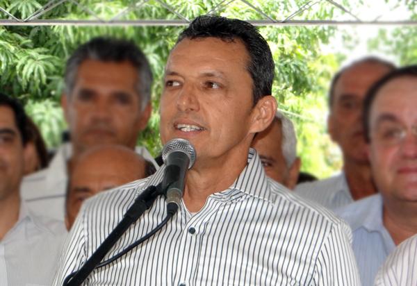 Ex-prefeito de Guanambi punido por repasse de recursos a time de futebol