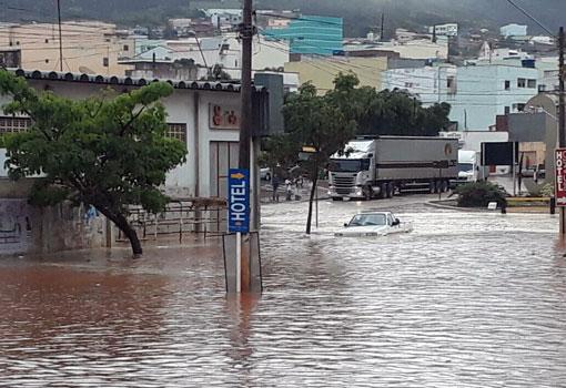 Fortes chuvas causam estragos em Caetité