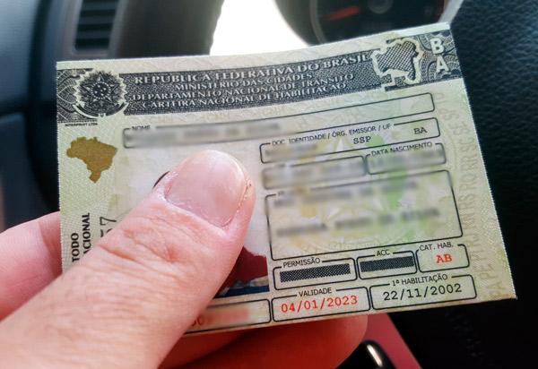 Bahia: Detran convoca condutores  multados por transgressão às normas estabelecidas no CTB para apresentar defesa; relacionados podem perder a Carteira de Habilitação