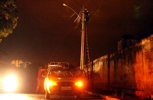 Brumado: Ventos fortes rompem cabos e provoca falta de energia
