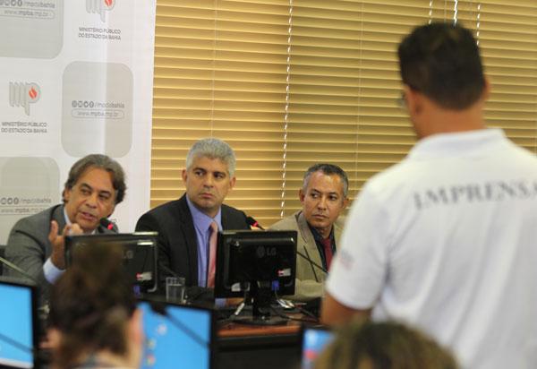 Diretoria de associação de PMs alvo de operação é investigada por fraude e desvio de dinheiro, diz SSP