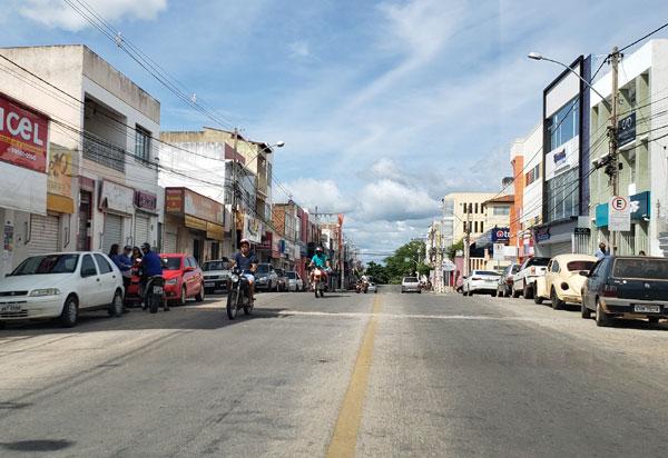 Brumado: prefeitura revoga decretos municipais que suspenderam o funcionamento dos comércios não essenciais