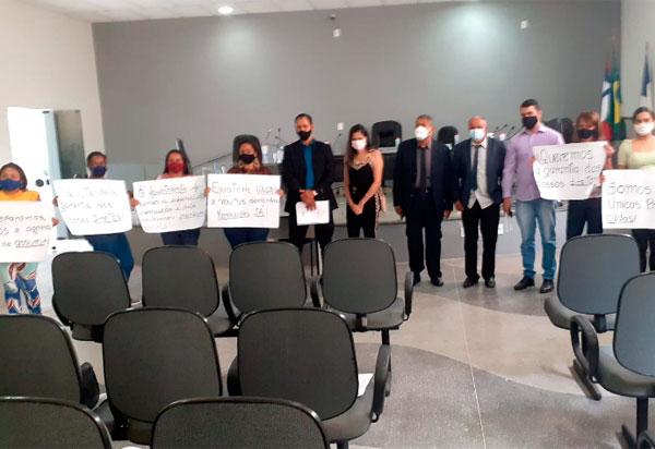 Aracatu: Concursados usam Tribuna Livre do Legislativo em busca dos seus direitos