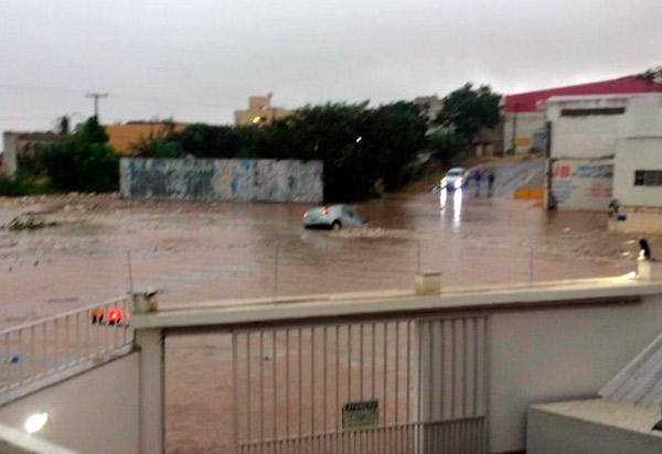 Forte chuva em Vitória da Conquista traz transtorno