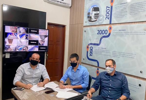 Brumado: Conseg assina termo de doação e anuncia a ampliação do sistema de Vídeo Monitoramento