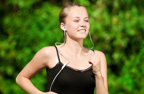 Artigo: Correr e ouvir música, uma boa combinação?
