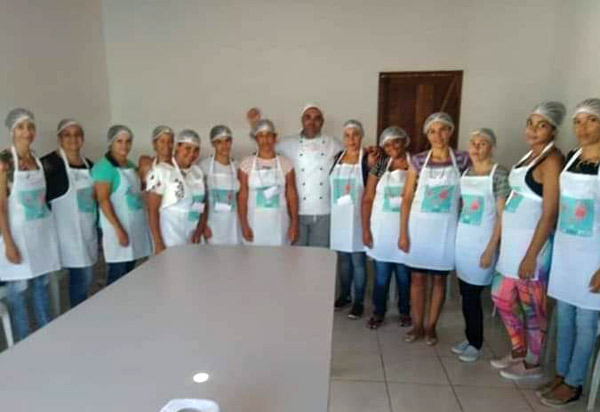 Aracatu: Secretaria Municipal de Assistência Social promoveu Oficina de Pães