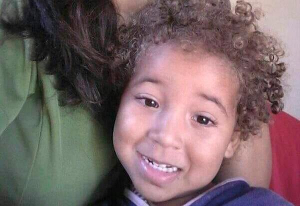 Bahia: Menina de dois anos morre engasgada com pedaço de carne