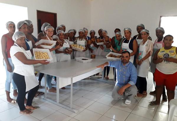 Aracatu: Secretaria Municipal de Assistência Social promove curso de Panificação e Workshop
