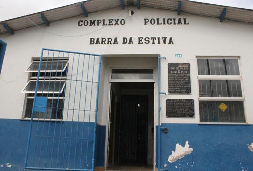 Barra da Estiva: homem mata a ex-companheira, fere duas pessoas e foge