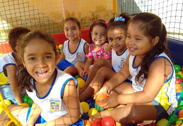 Brumado: escolas municipais realizaram várias atividades em homenagem ao Dia das Crianças