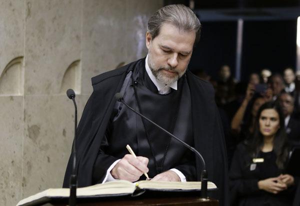 """""""Atacar Poder Judiciário é atacar a democracia"""", diz presidente do STF"""