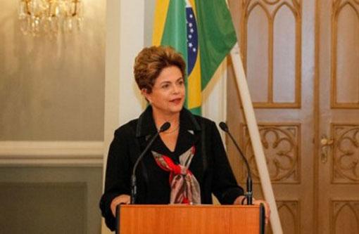Dilma diz na Finlândia que seu governo não está envolvido em corrupção