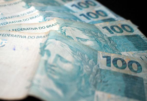 Em cada dez consumidores inadimplentes, quatro devem até R$ 500