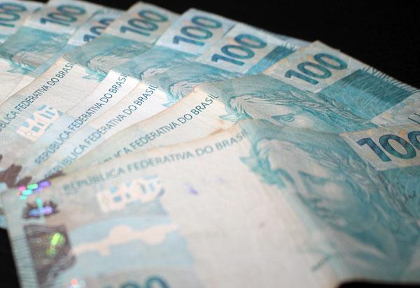 Juiz decide que dinheiro do Fundo Eleitoral deve ir para combate à covid-19
