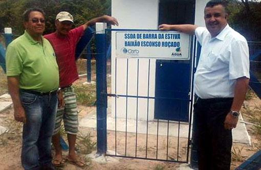 Barra da Estiva: Dinho entrega abastecimento de água à comunidades rurais