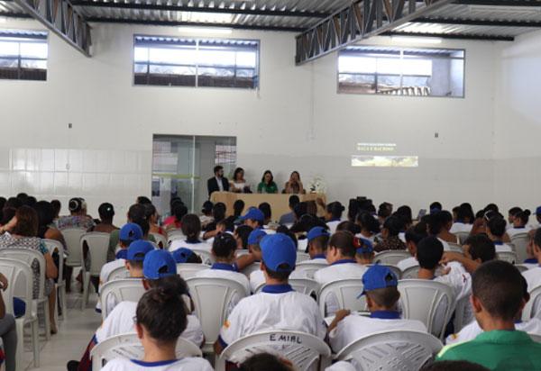 Brumado: DPE/BA lança cartilha sobre abordagem policial em escola do município