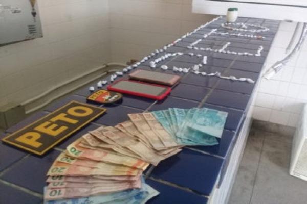 Brumado: trio é detido com drogas após fugirem de abordagem policial