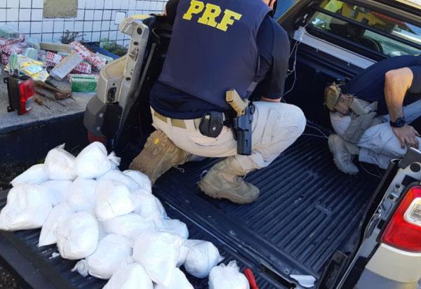 Homem que ia de Brumado para Salvador foi preso com 59 Kg de maconha e 28 Kg de cocaína