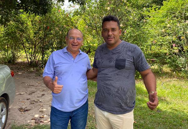 Brumado: Ednei Clebson entrega presidência municipal do Partido Progressista