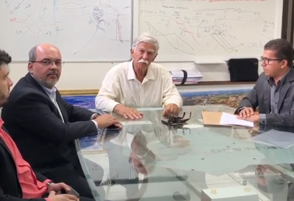 Brumado: prefeito assina empréstimo de R$ 20 milhões para pavimentações, macrodrenagem e obras de arte no município