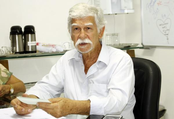 TCM concede liminar contra atos do prefeito Eduardo Vasconcelos