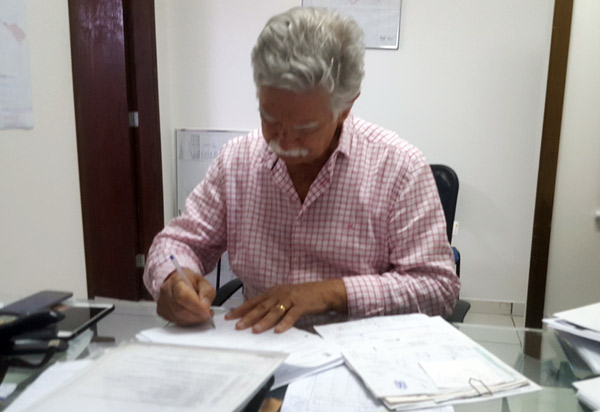 Brumado: prefeito Eduardo Vasconcelos decreta ponto facultativo durante o Carnaval