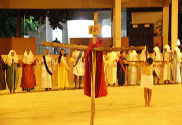 Brumado: Comunidade Nossa senhora Aparecida, na Vila Presidente Vargas, promoveu a encenação da Paixão de Cristo