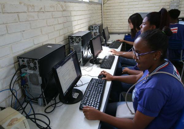 Bahia: internet nas Escolas chegará a mais 74 unidades estaduais em 2020