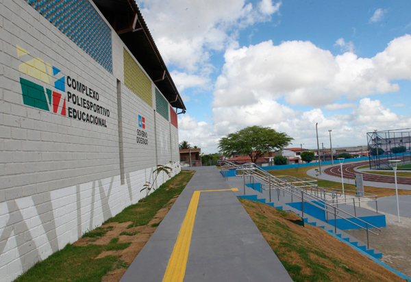 Estado destina R$ 24 milhões para a modernização de escolas em Santo Estevão, Caetité, Jaguaquara, Ribeira do Pombal e Salvador
