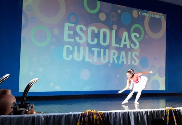 Projeto Escolas Culturais é implantado em Brumado com apresentações artísticas e culturais
