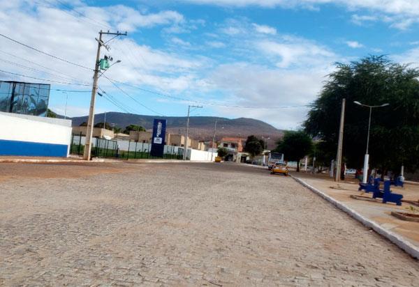 Brumado: Prefeitura informa que é proibida a instalação de barracas em frente à Policlínica Regional de Saúde